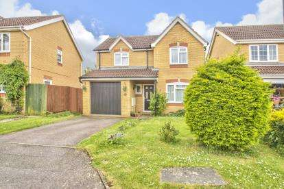 3 Bedrooms Detached House for sale in Merlin Close, Hartford, Huntingdon, Cambridgeshire