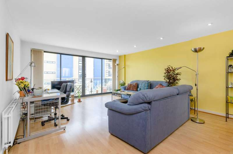 2 Bedrooms Flat for sale in Ocean Wharf, Canary Wharf, E14