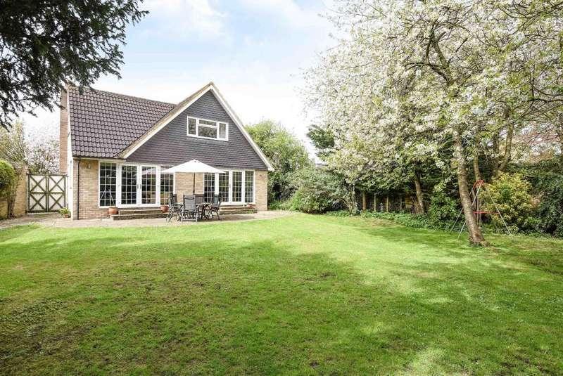 4 Bedrooms Detached House for sale in Windsor, Berkshire, SL4