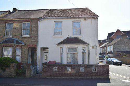 3 Bedrooms Semi Detached House for sale in Princes Street, Slough