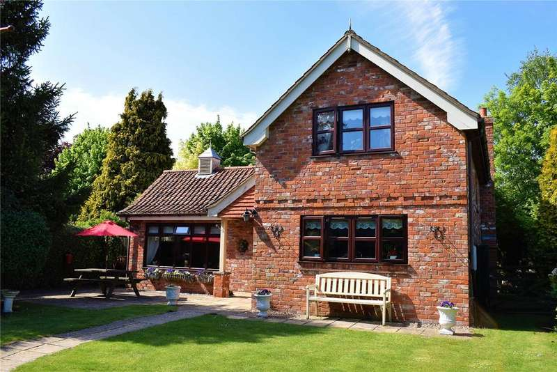 3 Bedrooms Detached House for sale in Howe Lane, Goxhill, Barrow-Upon-Humber, North Lincolnshire, DN19