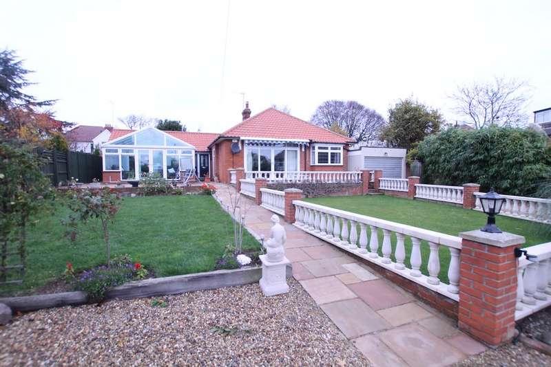4 Bedrooms Detached Bungalow for sale in Brook Lane, Felixstowe IP11