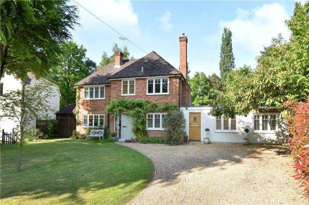 5 Bedrooms Detached House for sale in Onslow Road, Sunningdale, Berkshire