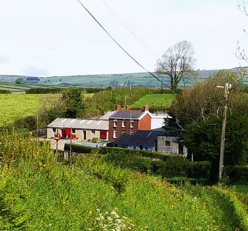 5 Bedrooms Detached House for sale in Blaen Bill, Llandissilio, Clynderwen, Pembrokeshire