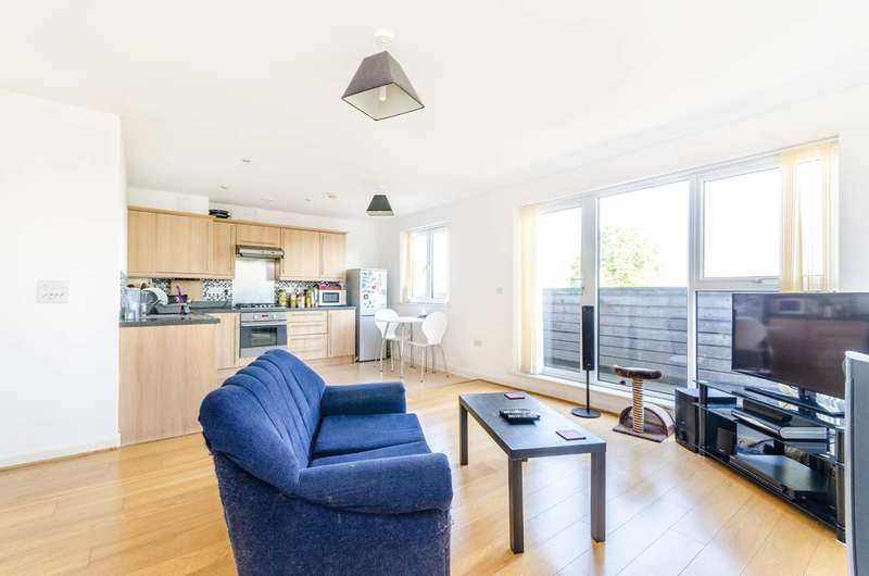 1 Bedroom Flat for sale in Champion House, Charlton, SE7