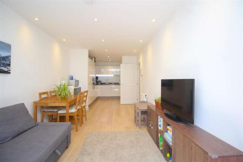 2 Bedrooms Flat for sale in Eagle Heights, Waterside Way, London