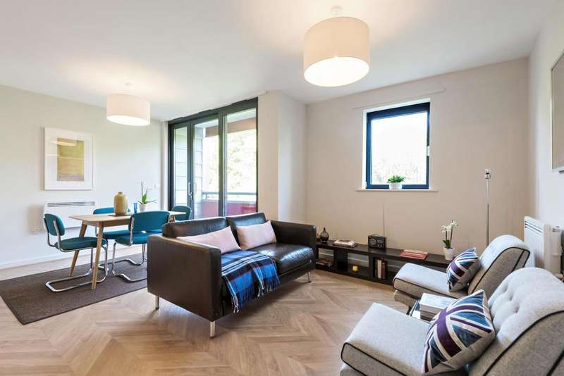 2 Bedrooms Flat for sale in Drayton Park, Highbury