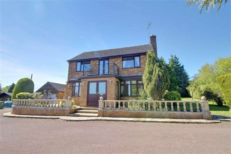 3 Bedrooms Detached House for sale in May Hill, Longhope, Gloucestershire