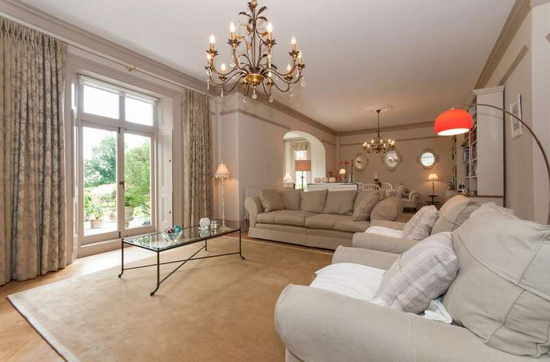 4 Bedrooms Cottage House for sale in Hogscross Lane, Chipstead, CR5