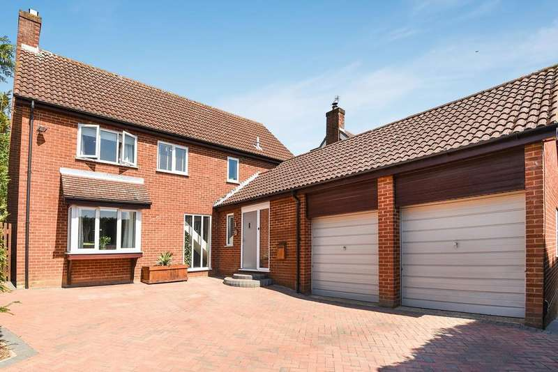 4 Bedrooms Detached House for sale in Dew Pond Road, Flitwick, MK45