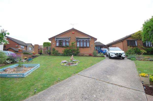 4 Bedrooms Detached Bungalow for sale in Poole, Dorset, BH12