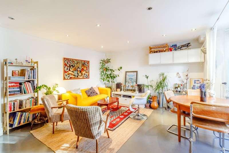3 Bedrooms Maisonette Flat for sale in Cricketfield Road, Clapton, E5