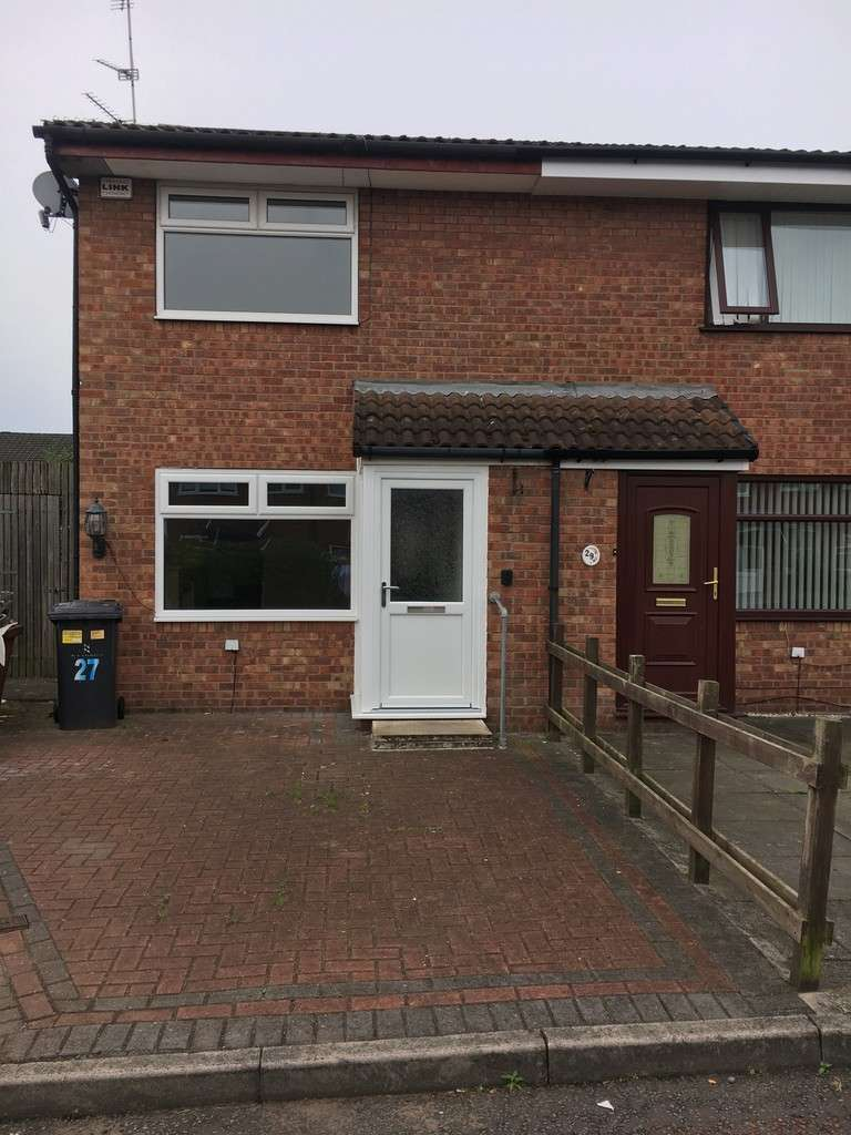 2 Bedrooms Semi Detached House for sale in Hambleton Close, Widnes, WA8