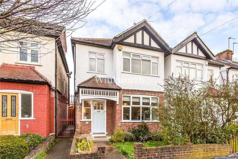 3 Bedrooms Semi Detached House for sale in Coombe Corner, London, N21