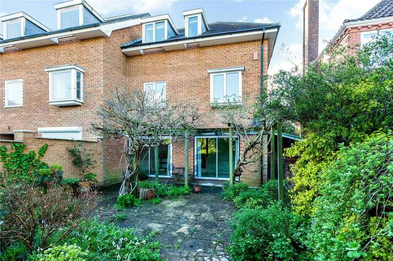 4 Bedrooms Semi Detached House for sale in St. Cross Court, Kingsgate Road, Winchester, Hampshire, SO23