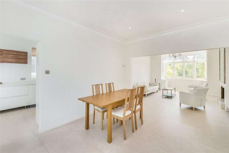 4 Bedrooms Terraced House for rent in Emlyn Road, Wendell Park, London, W12