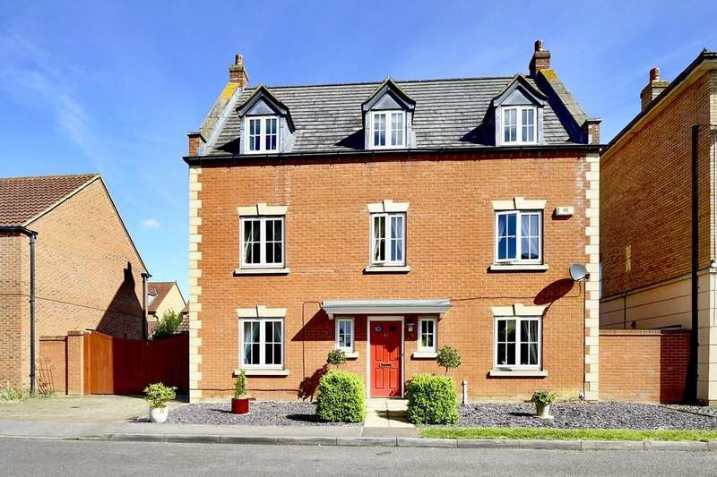 5 Bedrooms Detached House for sale in Woodpecker Way