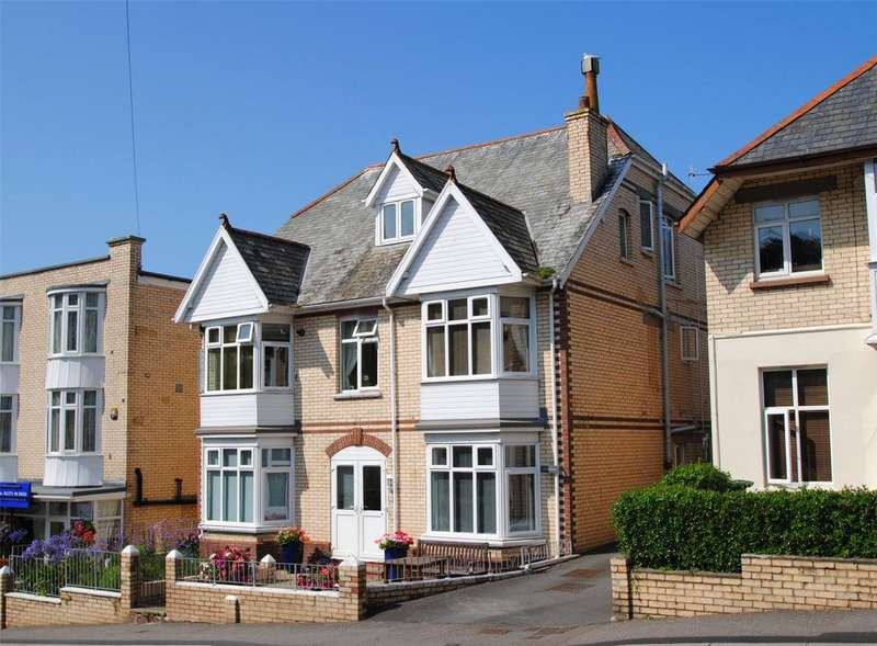 2 Bedrooms Apartment Flat for sale in Hillsborough Road, Ilfracombe