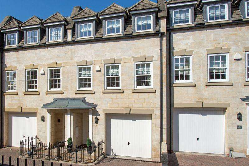 3 Bedrooms Town House for sale in Old School Court, Wharf Road, Stamford