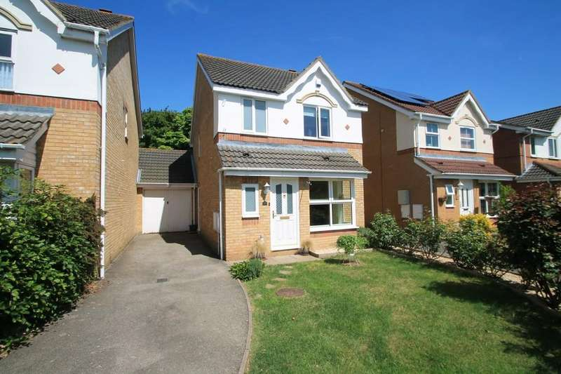 3 Bedrooms Detached House for sale in Phipps Close, Aylesbury