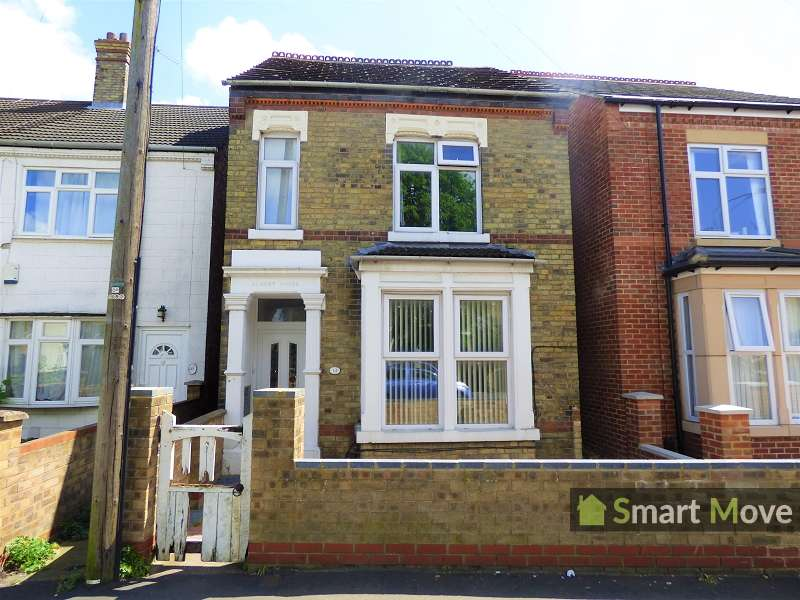 4 Bedrooms Detached House for sale in St. Pauls Road, Peterborough, Cambridgeshire. PE1 3DN