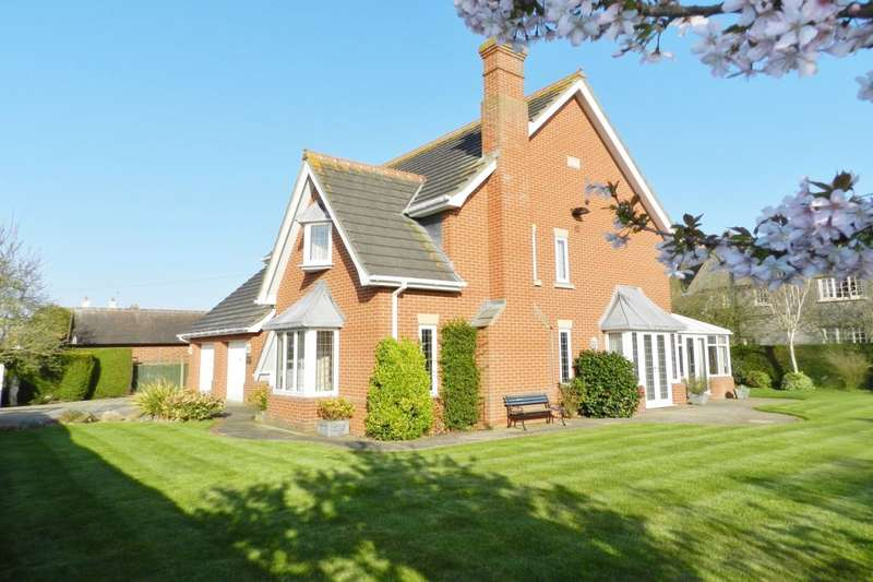 4 Bedrooms Detached House for sale in Park Road West, Sutton-On-Sea, Mablethorpe, LN12