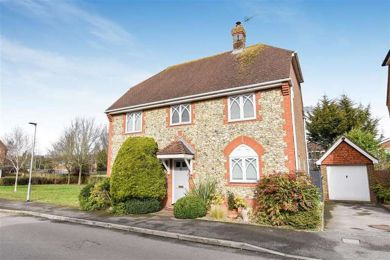 5 Bedrooms Detached House for sale in East Park Farm Drive, Charvil, Reading, RG10