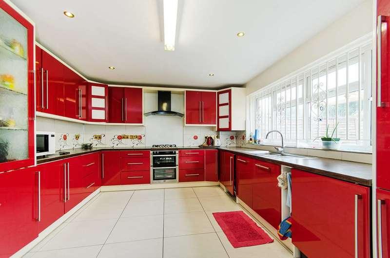 4 Bedrooms Bungalow for rent in Beechcroft Gardens, Wembley, HA9
