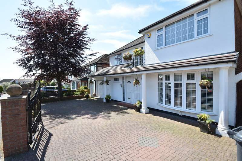 5 Bedrooms Detached House for sale in Ferndale Avenue, Whitefield, Manchester, M45