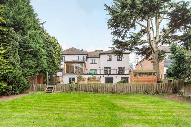 6 Bedrooms Detached House for sale in Woodlands Drive, Hoddesdon