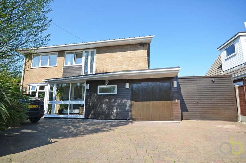 4 Bedrooms Detached House for sale in Wilrich Avenue, Canvey Island