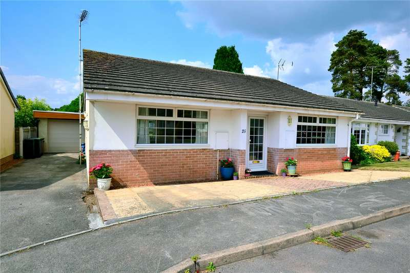 Detached House for sale in Pineholt Close, St. Ives, Ringwood, BH24