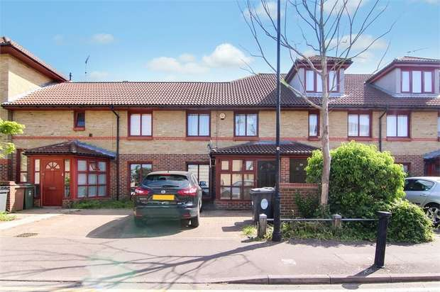 3 Bedrooms Terraced House for sale in Beaconsfield Road, Walthamstow, London