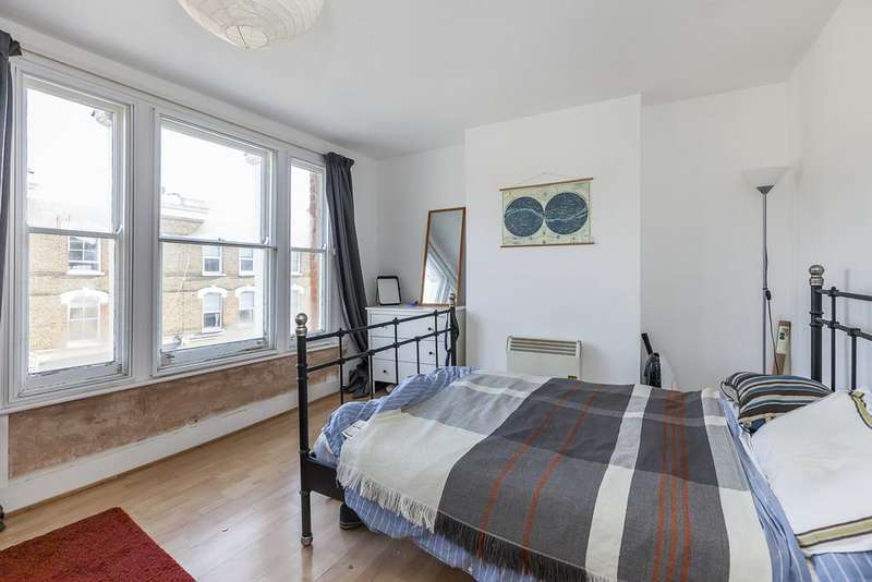 3 Bedrooms Flat for sale in Chatsworth Road , Clapton , London , London E5