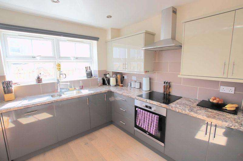 3 Bedrooms Semi Detached House for sale in Airy Hill Lane, Skelton Green
