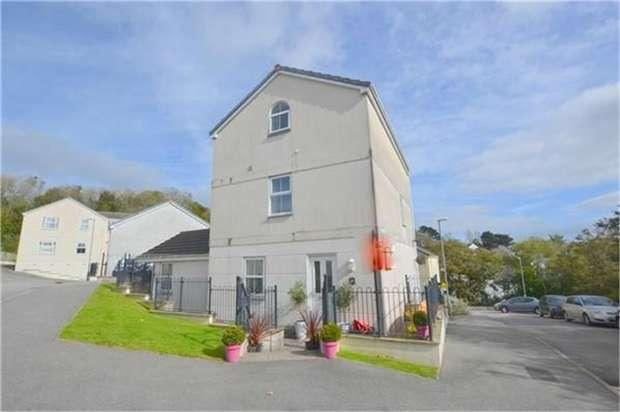 3 Bedrooms Maisonette Flat for sale in Newbridge View, Truro, Cornwall