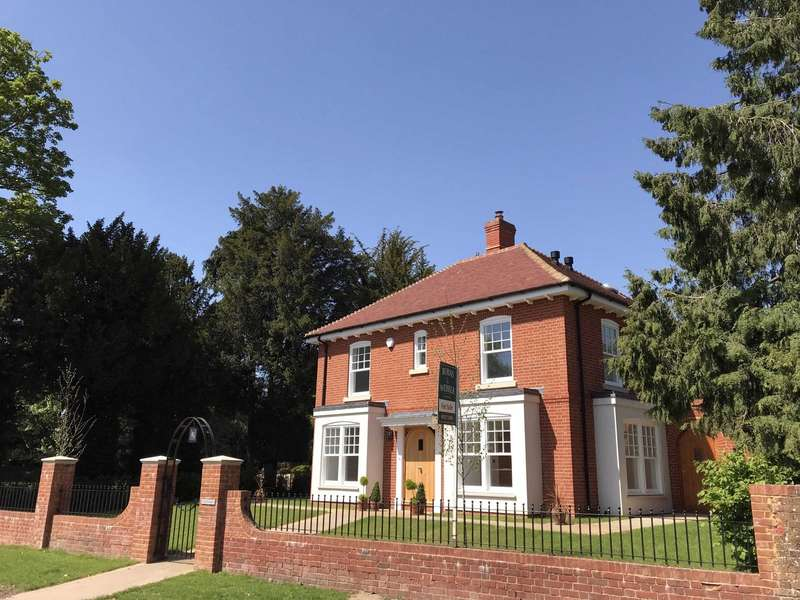 4 Bedrooms Detached House for sale in Upper Froyle, Alton