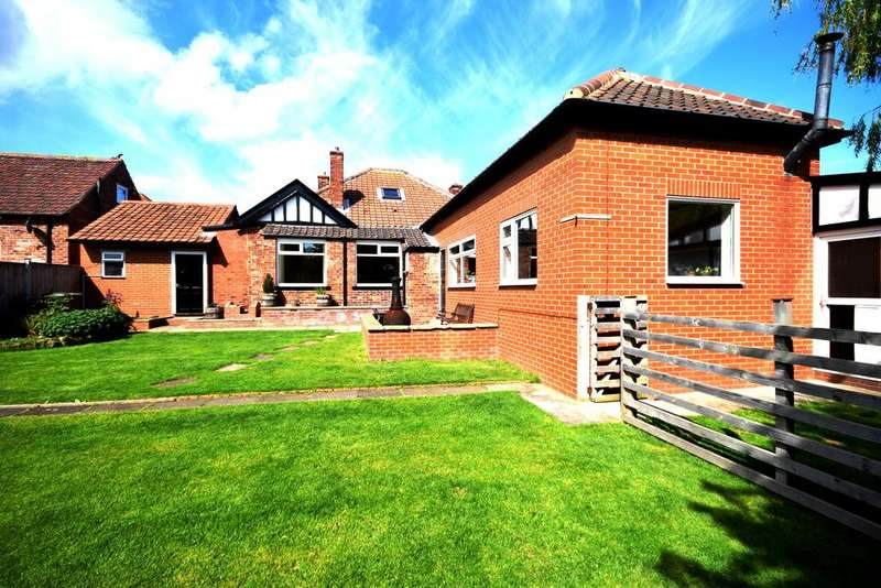5 Bedrooms Detached Bungalow for sale in Ruskin Avenue, Saltburn TS12