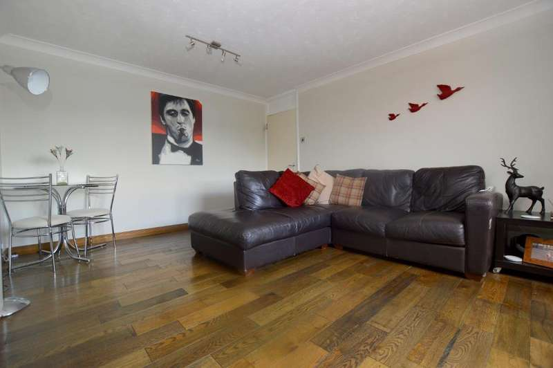 2 Bedrooms Apartment Flat for sale in Lakeview, New Bedford Road, Luton, LU3 1NB