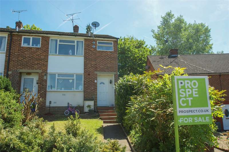 3 Bedrooms End Of Terrace House for sale in Tanhouse Lane, Wokingham, Berkshire, RG41