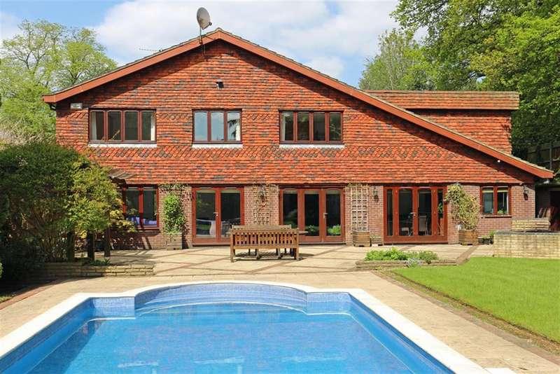 6 Bedrooms Detached House for sale in Riverwood Lane, Chsilehurst, BR7 5QN