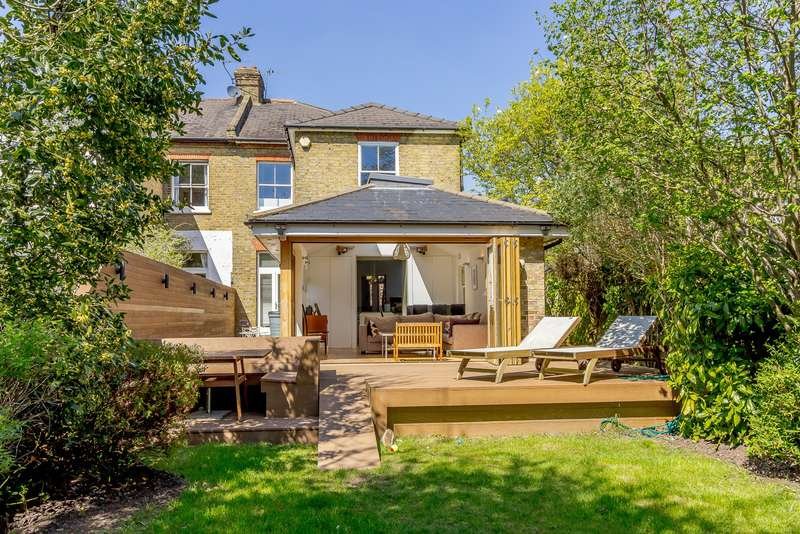 4 Bedrooms Semi Detached House for sale in New Malden