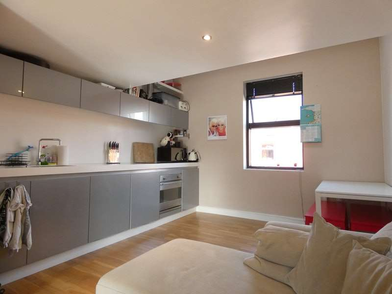 2 Bedrooms Terraced House for sale in Ash Street, Salford, Greater Manchester, M6