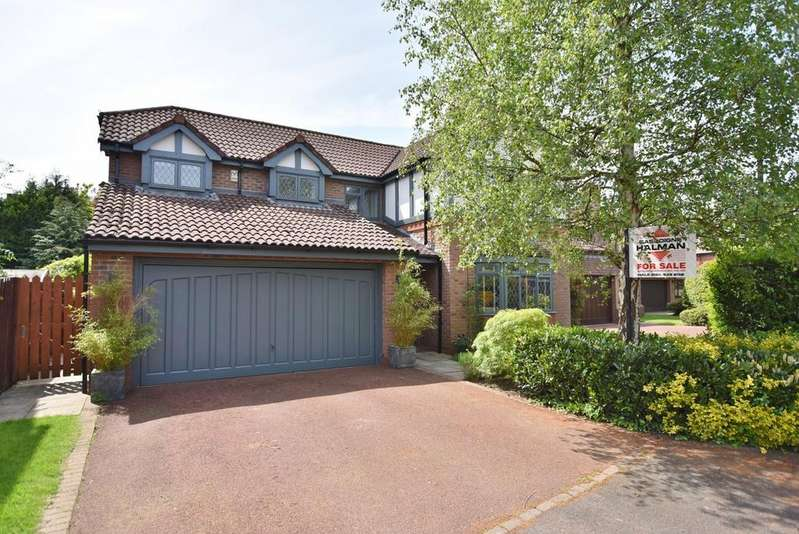 4 Bedrooms Detached House for sale in Minster Drive, Bowdon