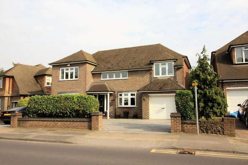 4 Bedrooms Detached House for sale in Old Road east, Gravesend DA12