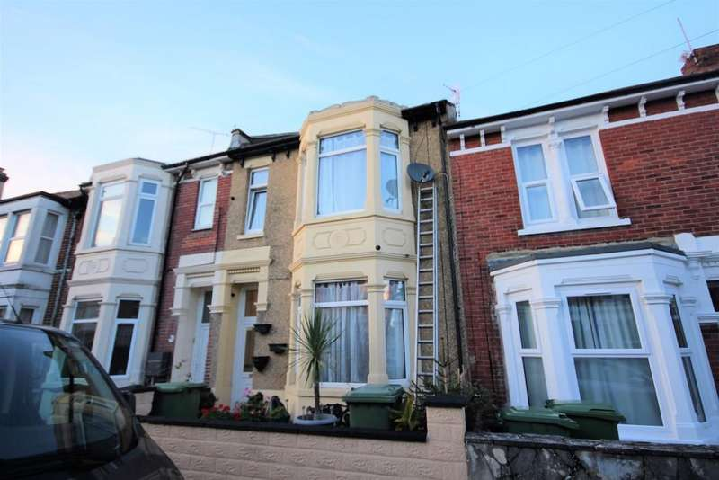 4 Bedrooms Terraced House for sale in Queens Road