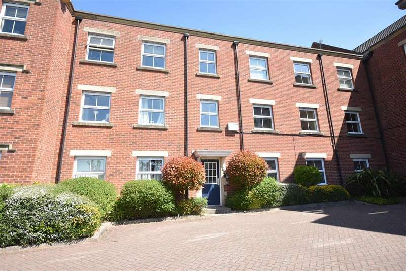 2 Bedrooms Apartment Flat for sale in Alma Wood Close, Chorley