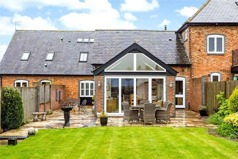 4 Bedrooms House for sale in Rowden Farm Barns, Mentmore, LU7