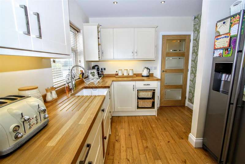 3 Bedrooms Semi Detached House for sale in Durham Road, Aycliffe, Newton Aycliffe