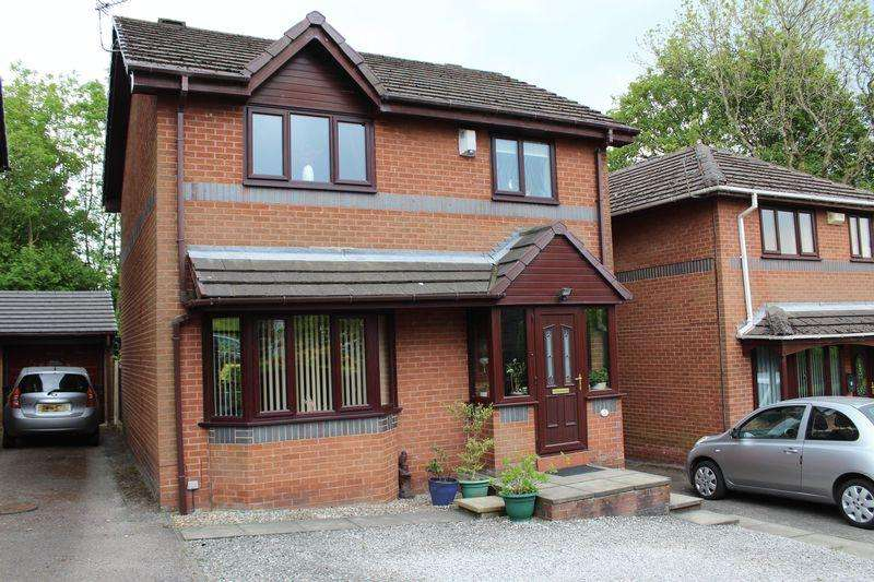 3 Bedrooms Detached House for sale in Lowood Close, Milnrow, Rochdale, OL16 3XG
